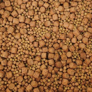 Mixed floating pellets